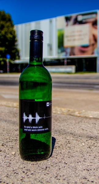 """Bestattung Wien Wein """"Es wird a Wein sein und wir wern nimmer sein"""""""